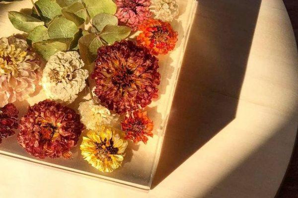Bouqueterija je cvjetni studio iz Zagreba koji dizajnira bukete u kojima možete uživati zauvijek