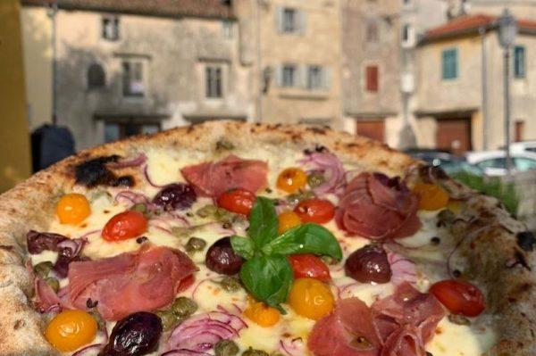 Ova pizzerija u Labinu je jedna od najboljih u Hrvatskoj – nudi vrhunsku napolitansku pizzu