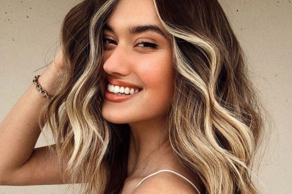 Ovaj trend bojanja kose vratio se iz '90-ih i izgleda još bolje nego prije