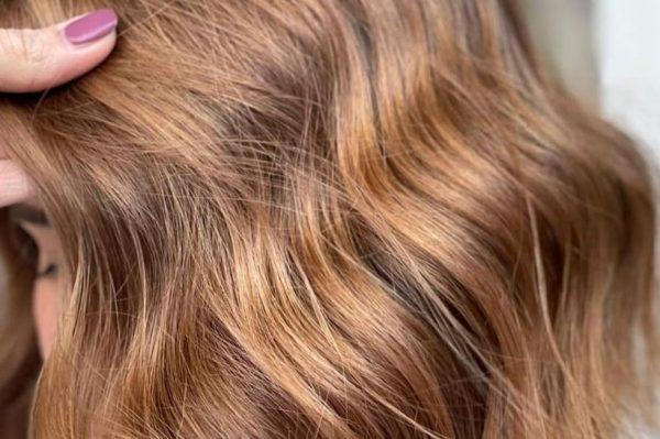 Valovi u kosi – najtraženija frizura u domaćim salonima ovog proljeća
