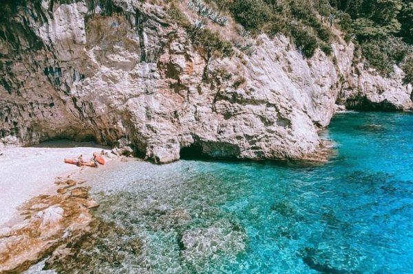 Špilja u Dubrovniku koja skriva prekrasnu plažu