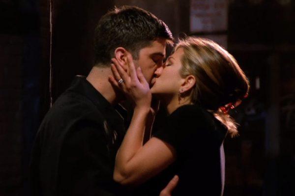 Ovo su najpopularniji televizijski poljupci omiljenih likova iz serija