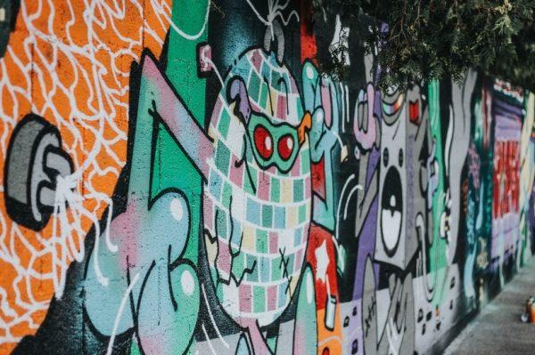Pogledajte kako je ekipa iz Graffiti na Gradele oslikala zidove Vintage Industrial Bara