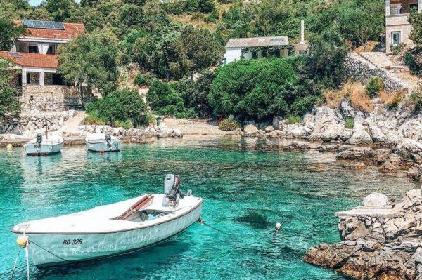 Pet skrivenih uvala na Šolti s najljepšim tirkiznim morem