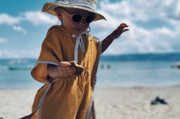Ovaj brend iz Vinkovaca ima hit dječji pončo za plažu od muslina