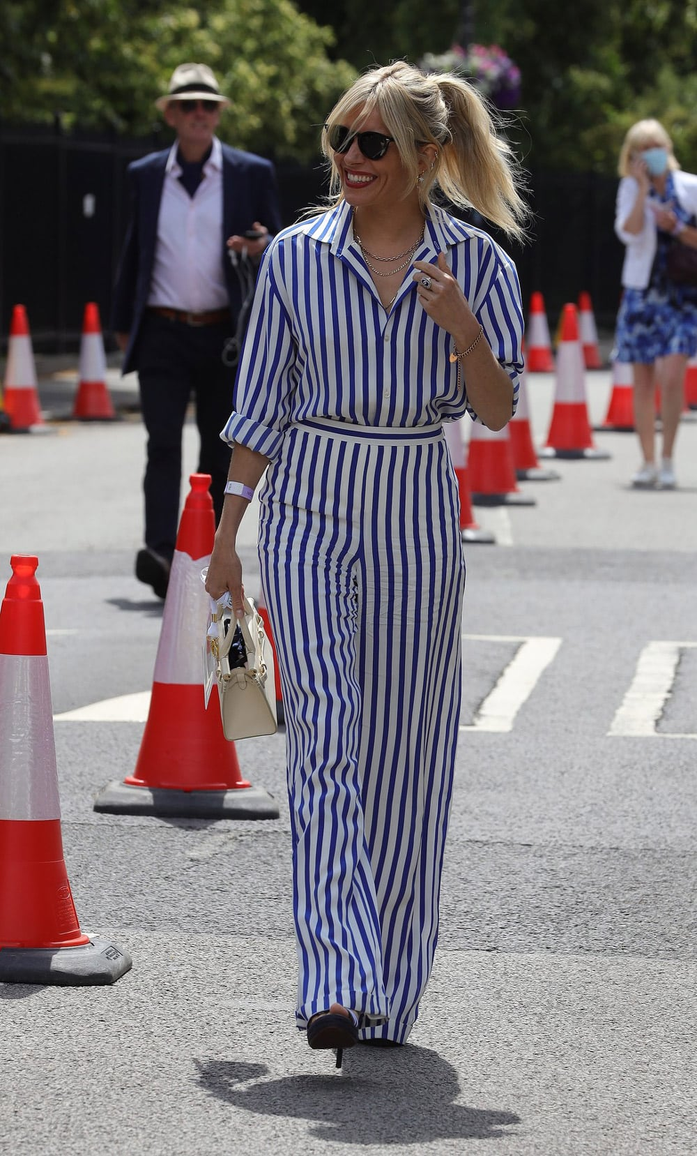 Street style inspiracija: Sienna Miller na Wimbledonu 2021.