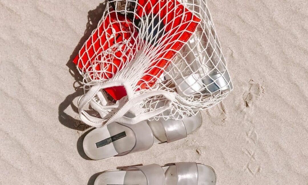 Ovih nekoliko stvari uvijek nosimo u torbi za plažu