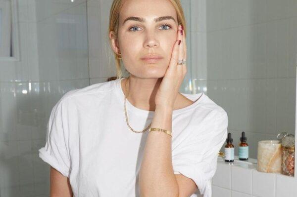 Najbolji trikovi za nanošenje pudera koji će izgledati kao vaša druga koža – samo bolja!