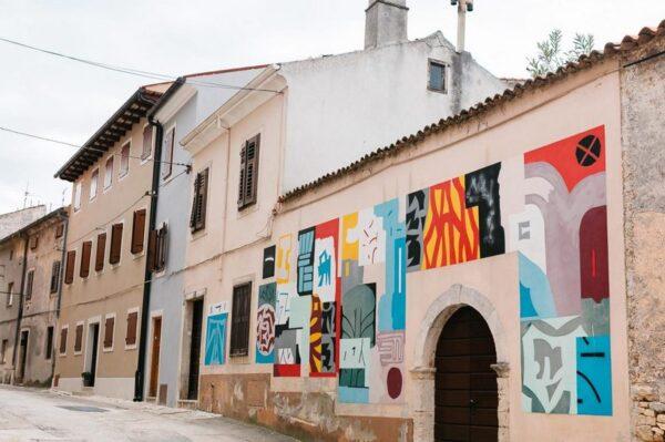 Fotogenični Vodnjan – grad murala, romantičnih crkvica i zlatnih maslinika