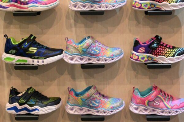 Kako odabrati dječje cipelice i kada točno kupiti prvi par? Otkriva nam fizioterapeutkinja