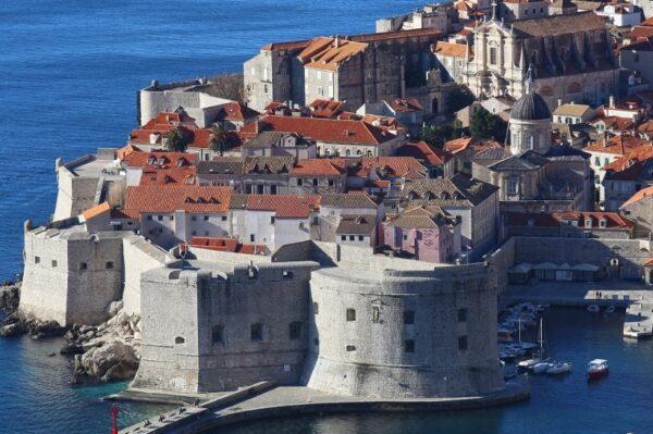 Grad Dubrovnik donio Odluku o ograničenju korištenja jednokratne plastike