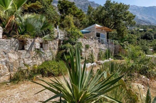Piccolina je preslatka mala kuća iznad Baške Vode