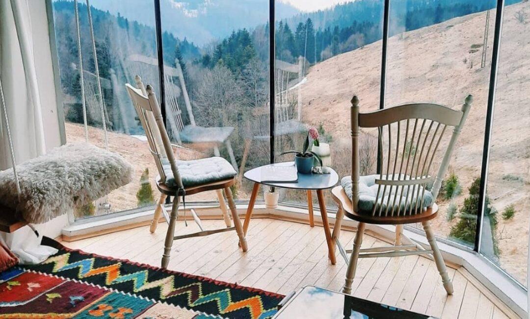 Koliba na planini s cozy interijerom za sve koji maštaju o bijegu u prirodu