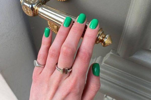 'It' boja laka za nokte za svibanj